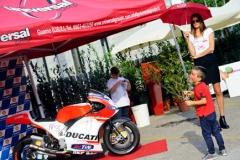 Rivenditore olio motore Lucca Shell Repsol Tamoil Petronal Pakelo. Moto da corsa